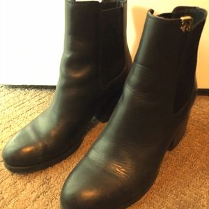 Tory Burch size 9 black ankle boots